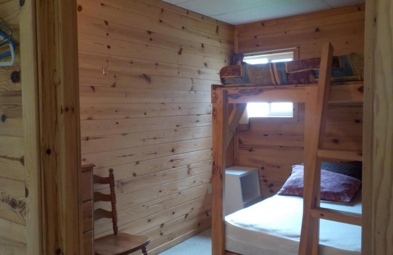 Cabin bunk beds at Owls Nest Lodge.
