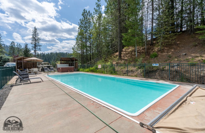 Outdoor pool at Red Horse Mountain Ranch.