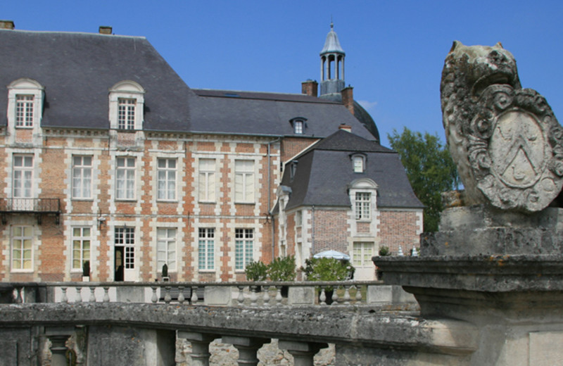 Exterior view of Château d'Etoges.