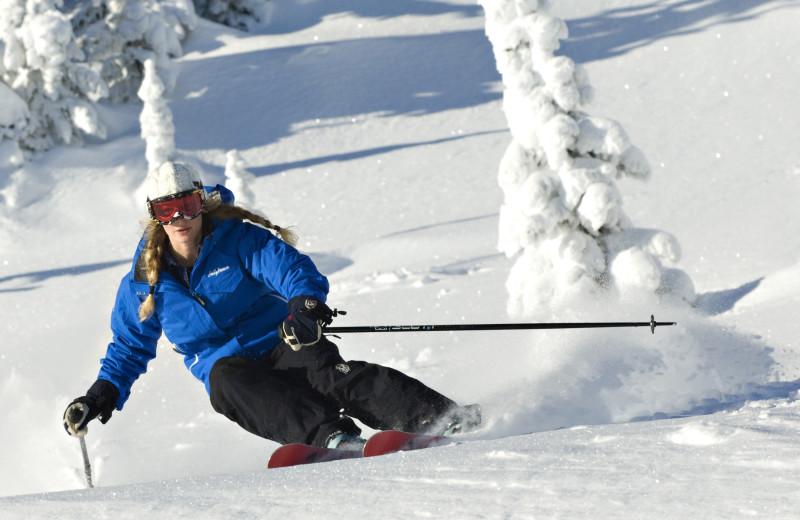 Downhill skiing at Cahilty Lodge.