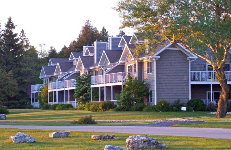 Exterior View of Baileys Harbor Resort
