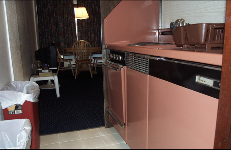 Efficiency suite kitchen at Windjammer Motor Inn.