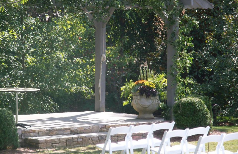 Weddings at James Madison Inn.
