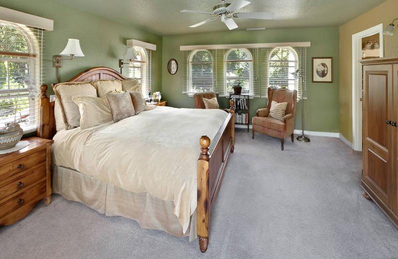 Guest room at Casa Lana Bed & Breakfast.
