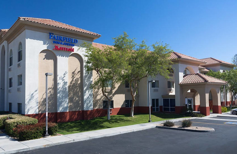 Exterior view of Fairfield Inn Phoenix North.