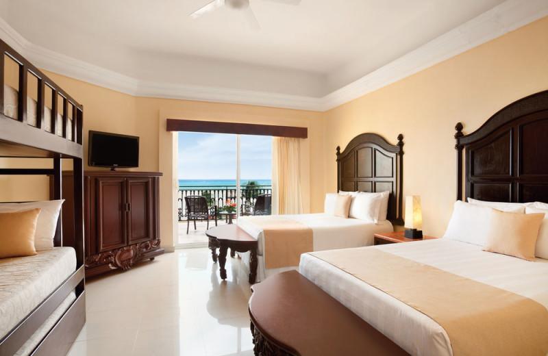 Guest room at Gran Porto Real Resort and Spa Playacar.