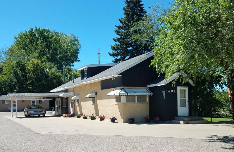 Exterior view of Jewel Motel.