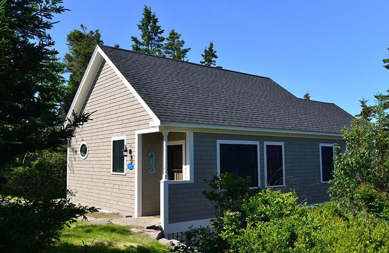 Cottage exterior at Newagen Seaside Inn.