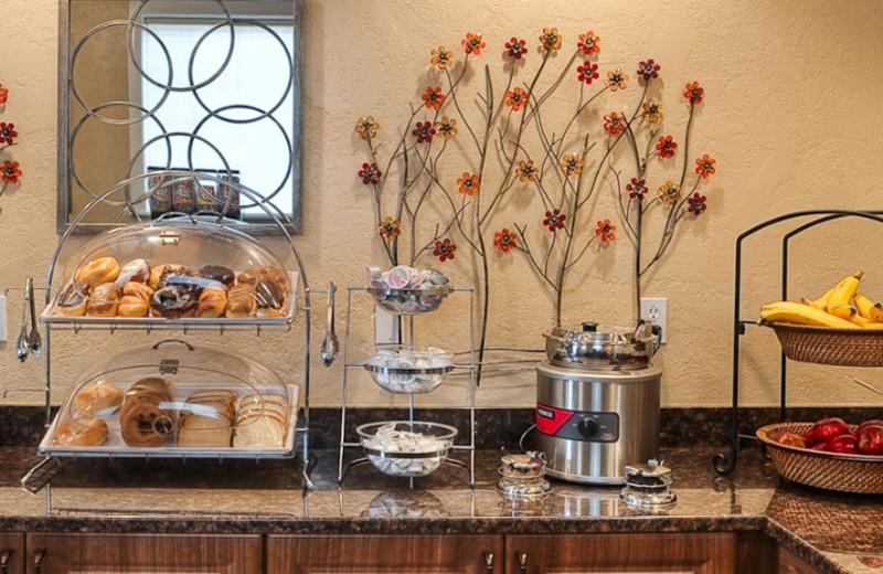 Breakfast room at St. George Inn