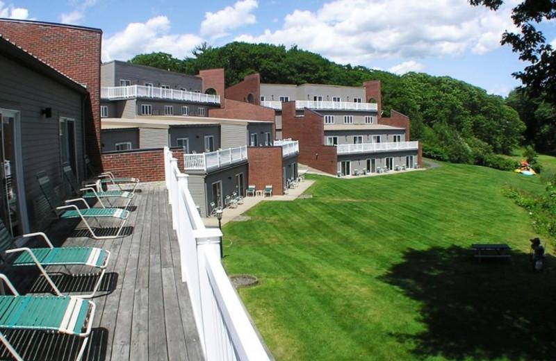 Exterior view of Ogunquit River Inn & Suites.