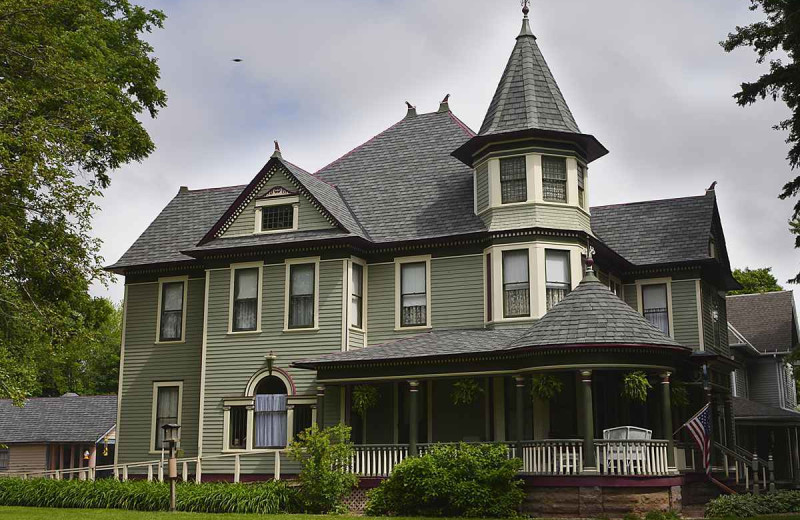 Exterior view of The Inn at Battle Creek.