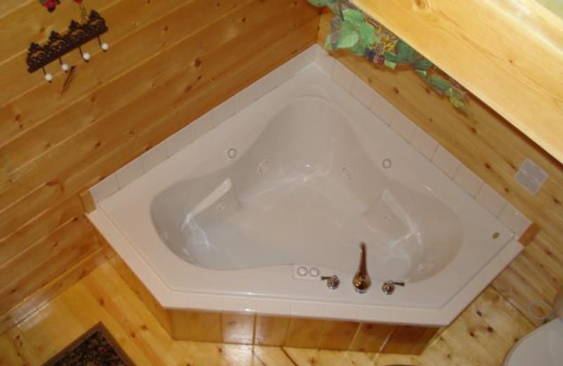 Cabin hot tub at Pine Ridge Log Cabins.