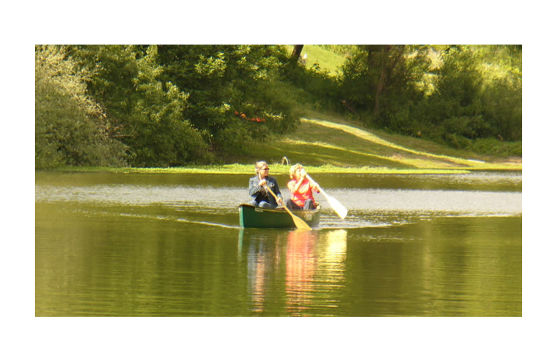 Canoeing at Highland Dell Lodge.