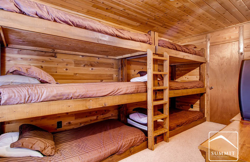 Rental bunk beds at Summit Vacations.