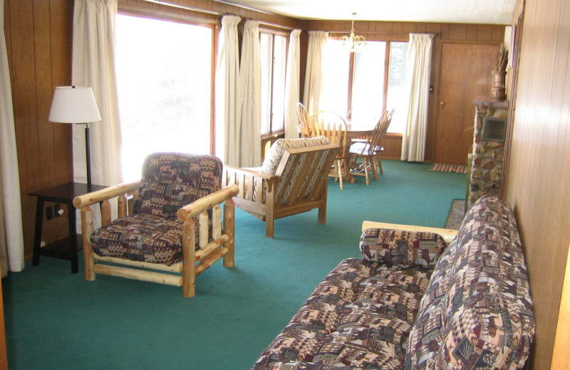 Cabin living room at Voyagaire Lodge and Houseboats.