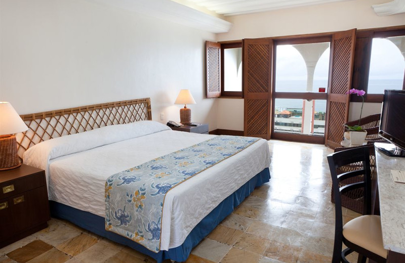Guest room at Bahia Othon Palace.