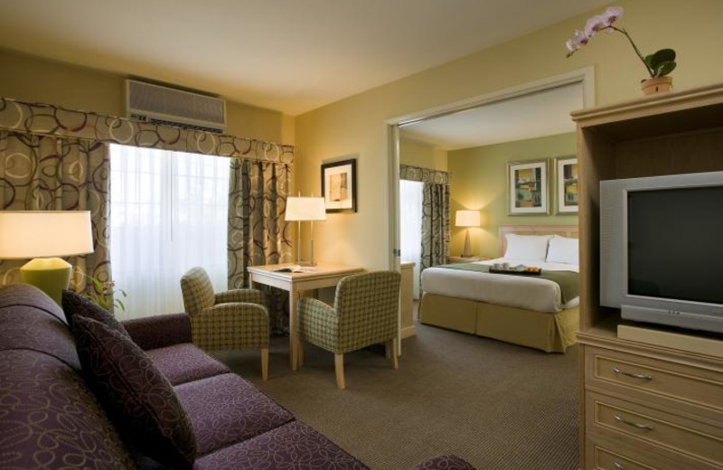 Guest room at The Inn at Marina del Rey.