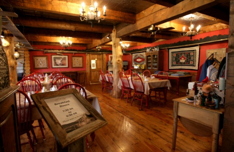 Cliffstone Restaurant at The Lodge at Red River Ranch.