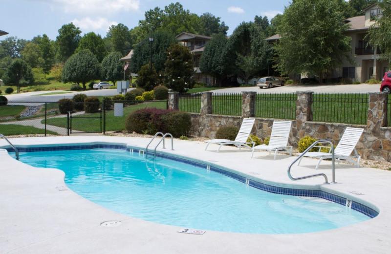 Outdoor pool at FieldStone Inn.