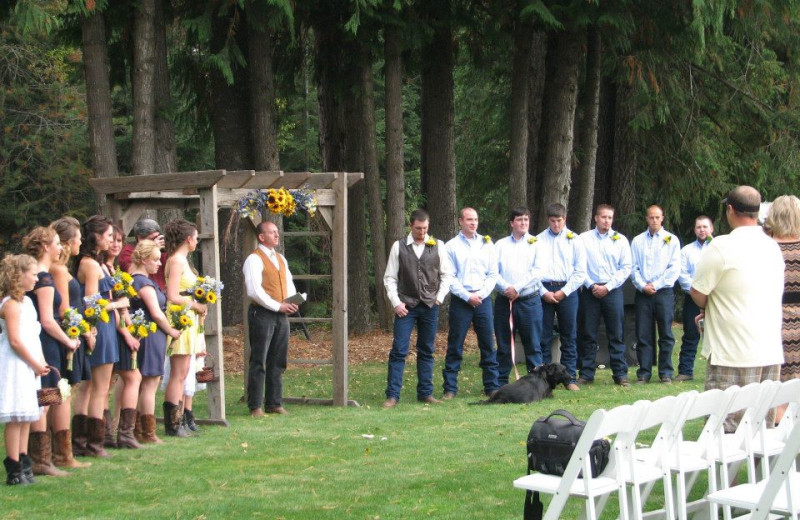 Outdoor wedding at Western Pleasure Guest Ranch.