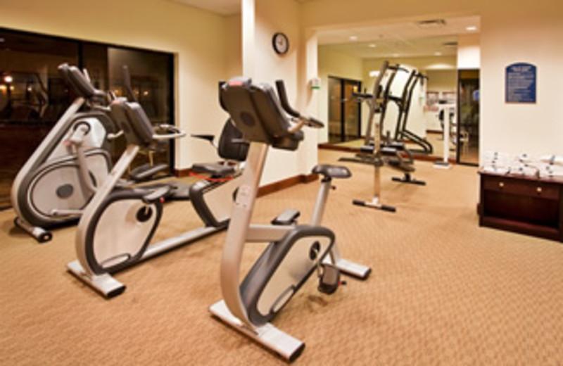 Fitness Center at Holiday Inn Main Gate East