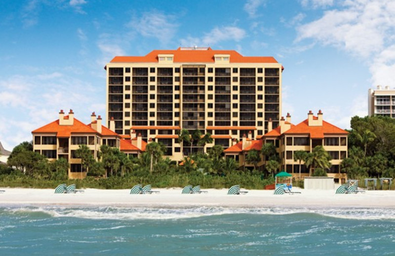 Exterior view of Eagle's Nest Resort.
