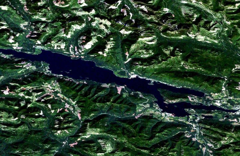 Aerial view of Honeymoon Bay Lodge & Retreat.