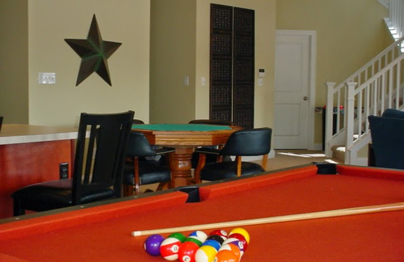 Vacation rental billiards table at Your Lake Vacation/Al Elam Property Management.