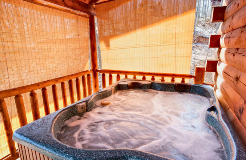 Hot tub at Alpine Mountain Chalets.