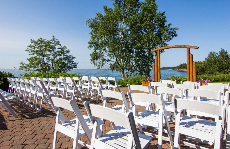 Weddings at Grand Superior Lodge on Lake Superior.