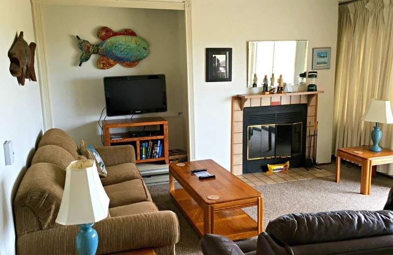 Guest living room at Hi-Tide Ocean Beach Resort.