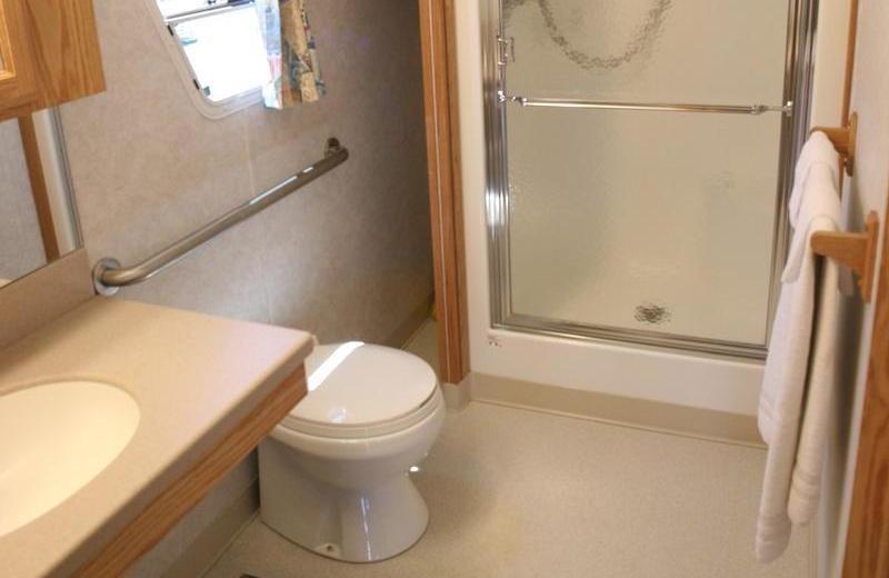 The 70' Titanium houseboat bathroom at Pleasure Cove.