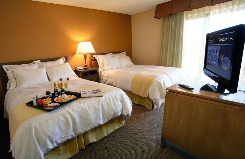 Guest room at Radisson Suites Tucson.