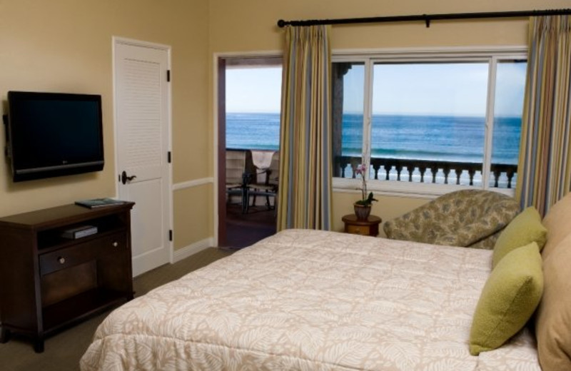 Guest room at La Jolla Beach & Tennis Club.