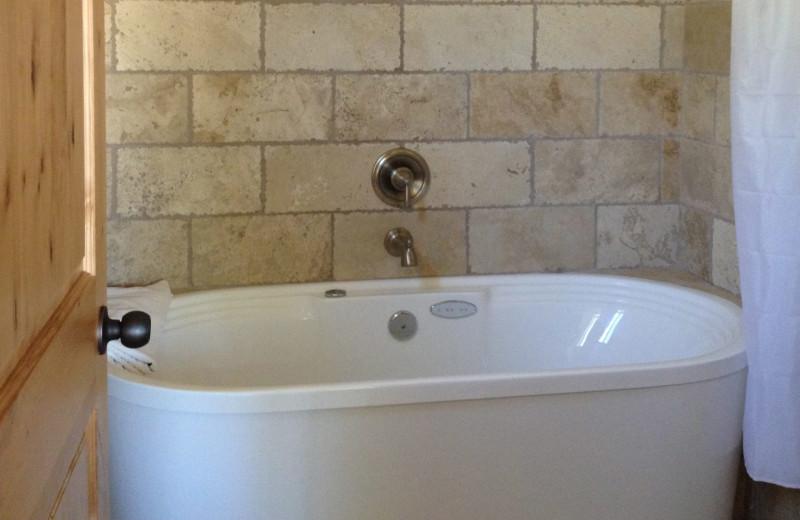Guest bathroom at Stone Canyon Inn.
