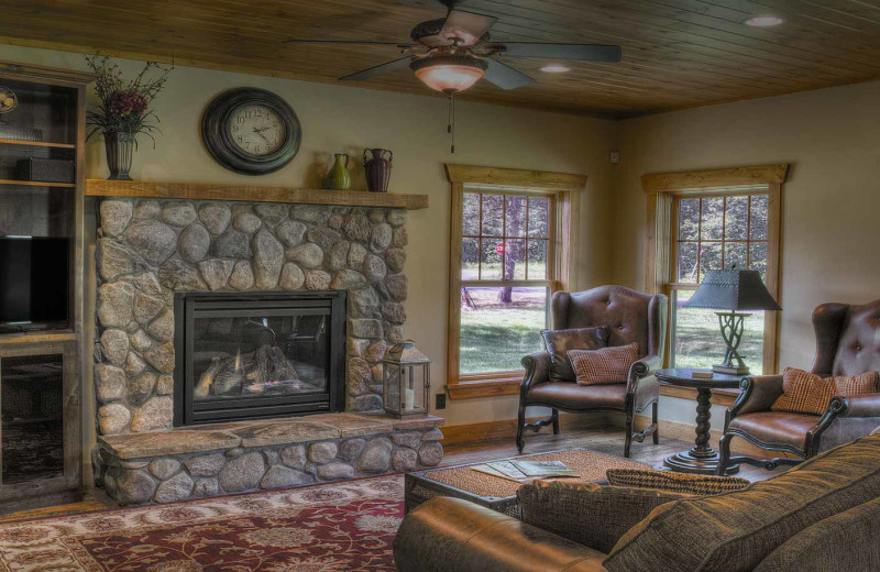 Cottage living room at Boyd Lodge.