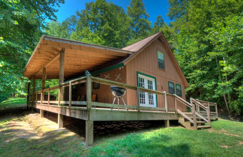Cabin exterior at Hidden Creek Cabins.
