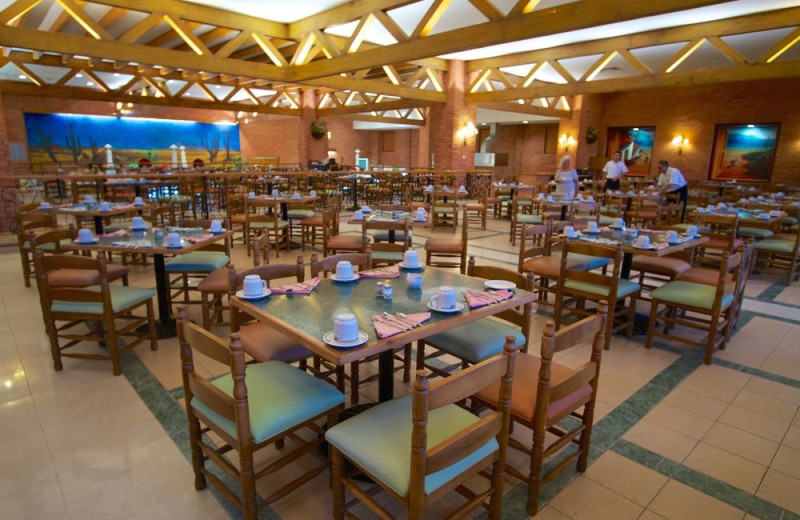Dining at Club Solaris All Inclusive Resort & Hotel Los Cabos.