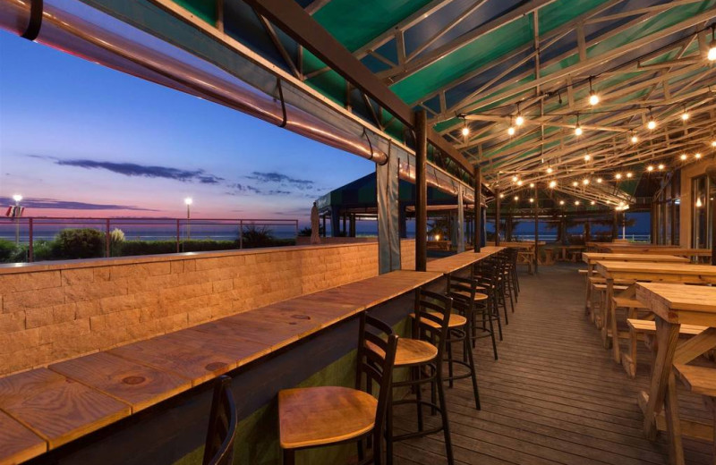 Dining at Surfbreak Oceanfront Hotel.
