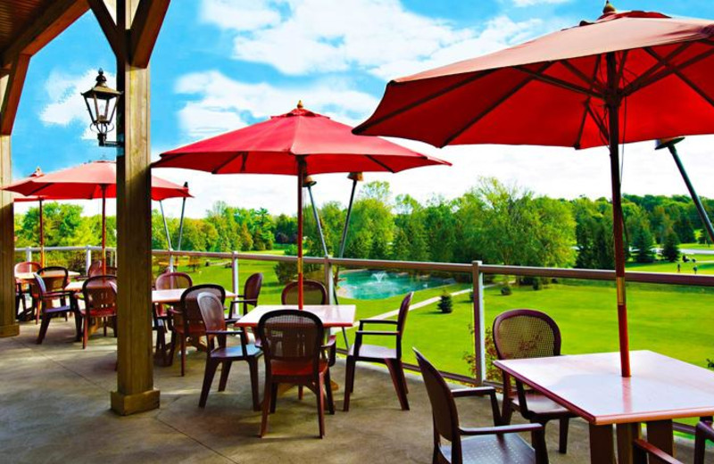 Patio dining at Oakwood Resort.