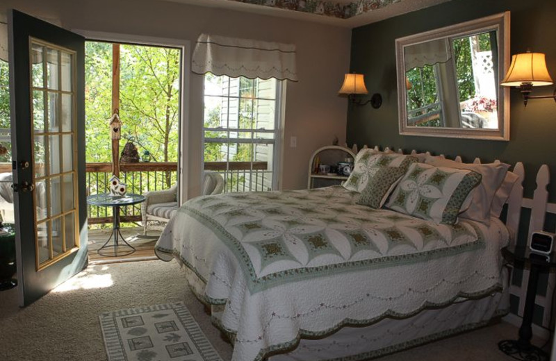 Guest bedroom at The Inn at Harbour Ridge.