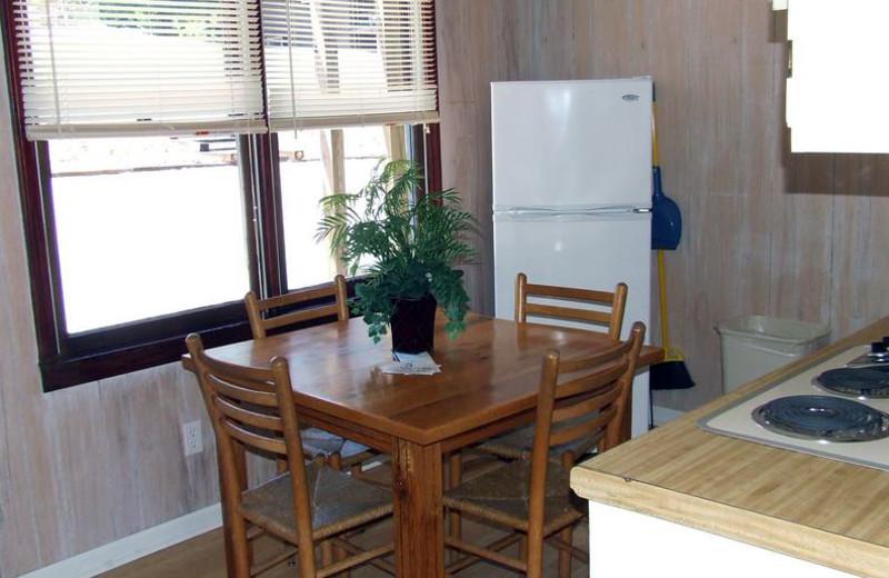 Guest dining room at Buzzard Rock Resort and Marina.