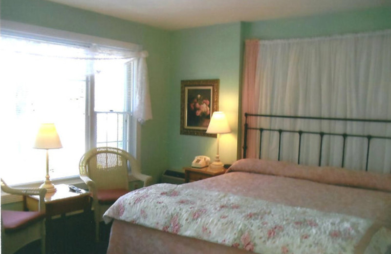 Guest room at Cedar Court Inn.