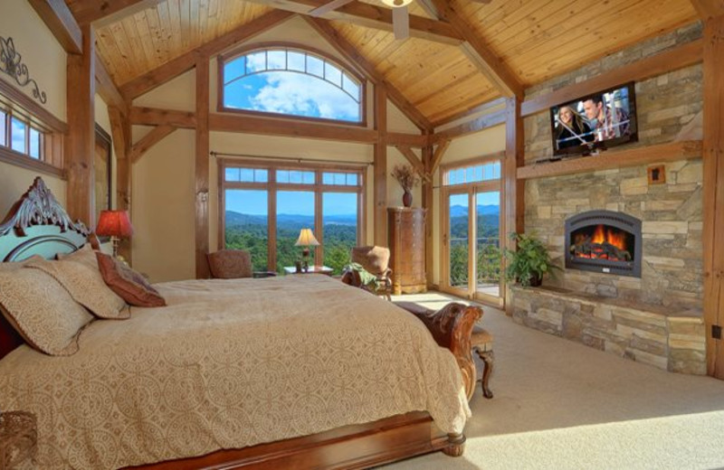 Cabin bedroom at Cabin Fever Vacations.