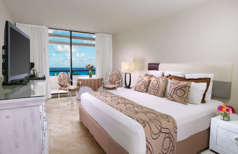 Guest room at Oasis Cancun.