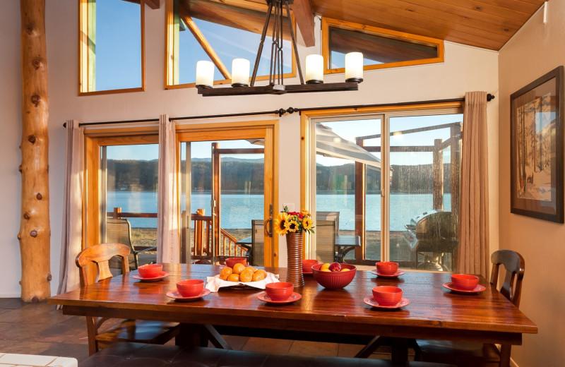 Rental dining a room at Big Bear Cool Cabins.