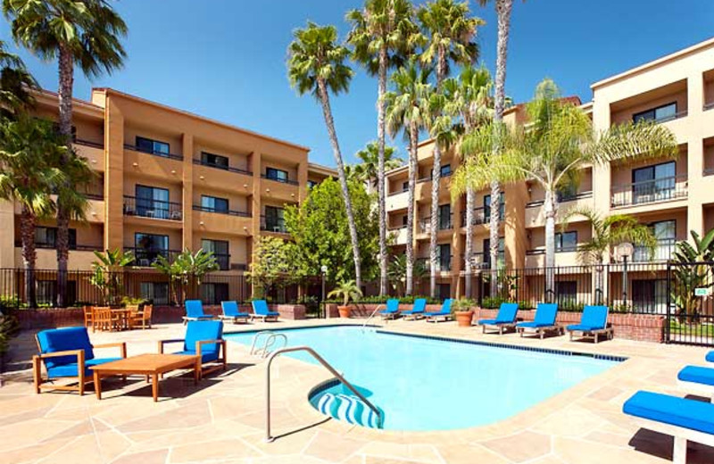 Outdoor pool at Courtyard by Marriott Costa Mesa South Coast Metro.