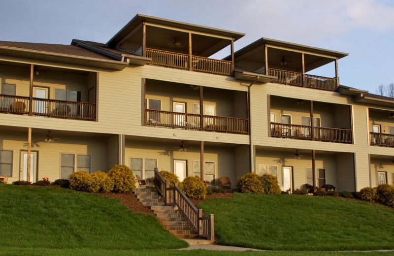 Exterior view of FieldStone Inn.