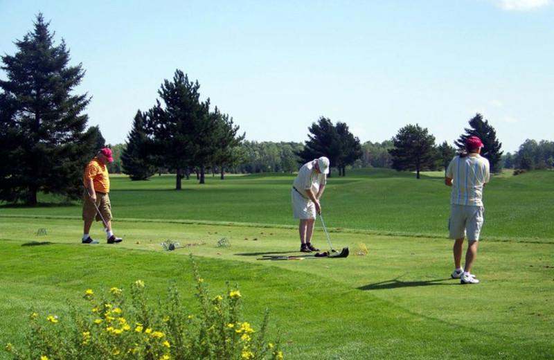 Ridgewood Golf Course near Thunder Lake Lodge.