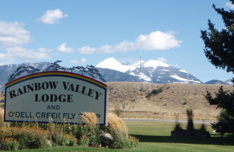 Entrance Sign at Rainbow Valley Lodge